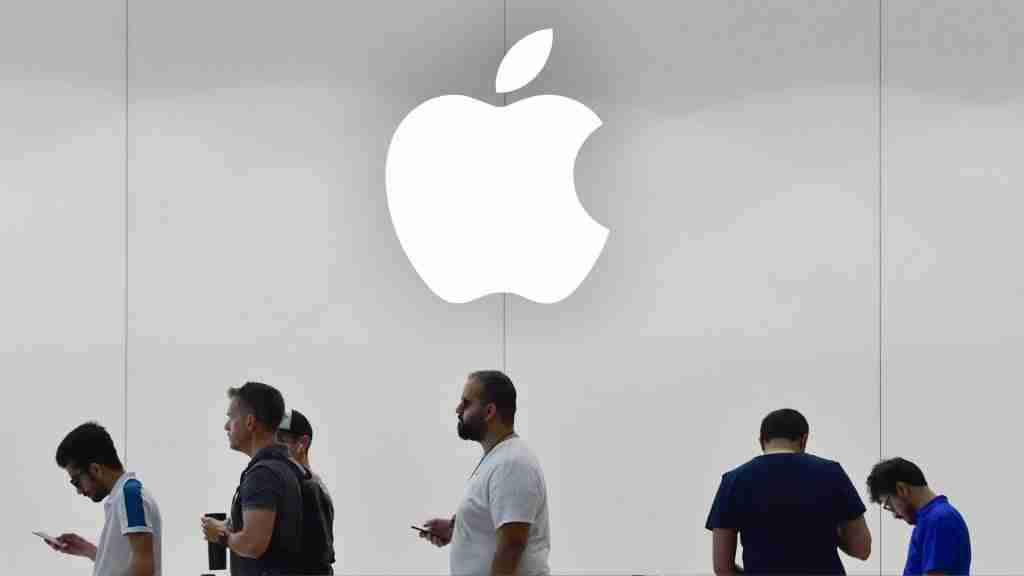 apple has an excellent lgbtq initiatives for employees
